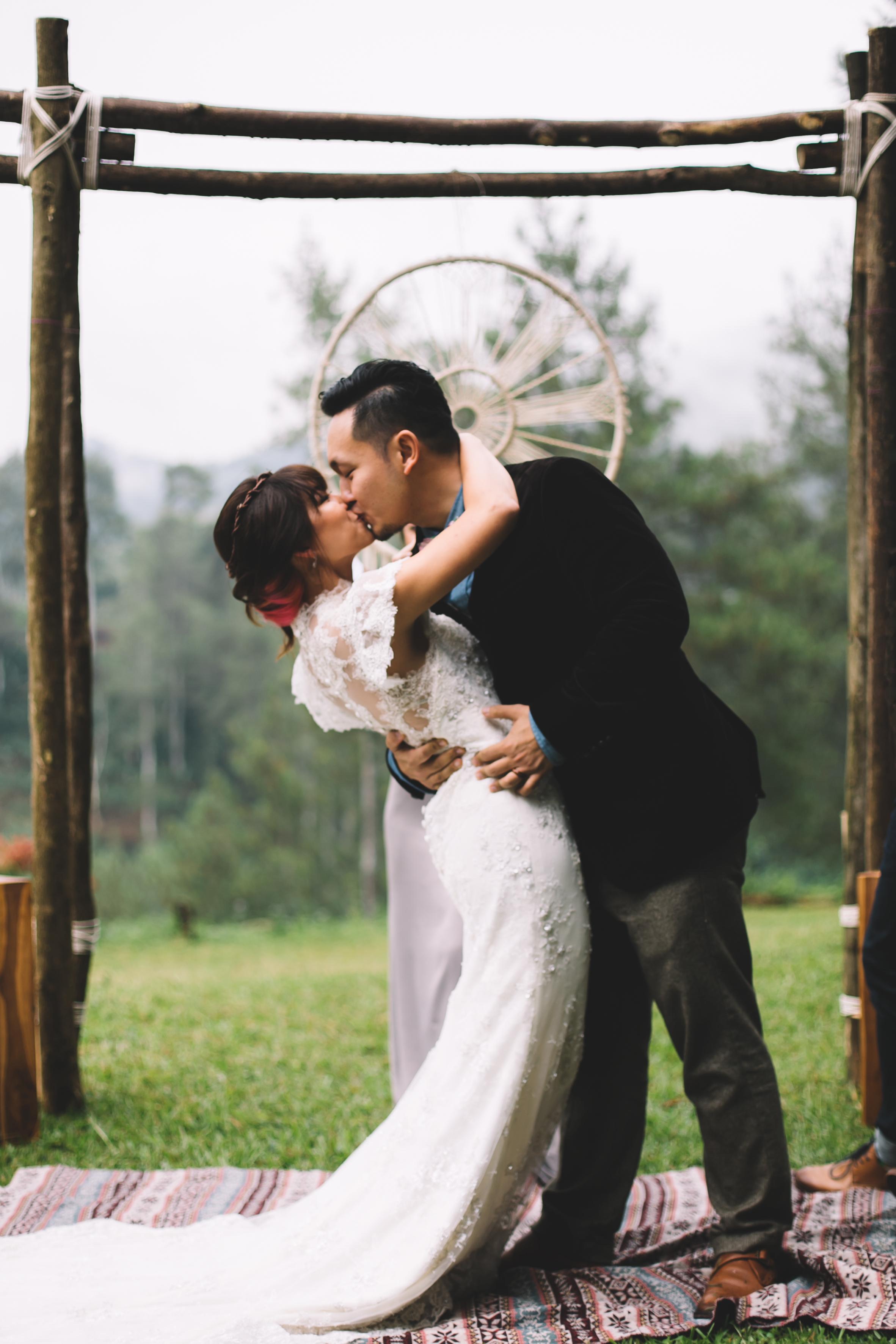 isabel-mengtat-boho-wedding-in-bandung-232