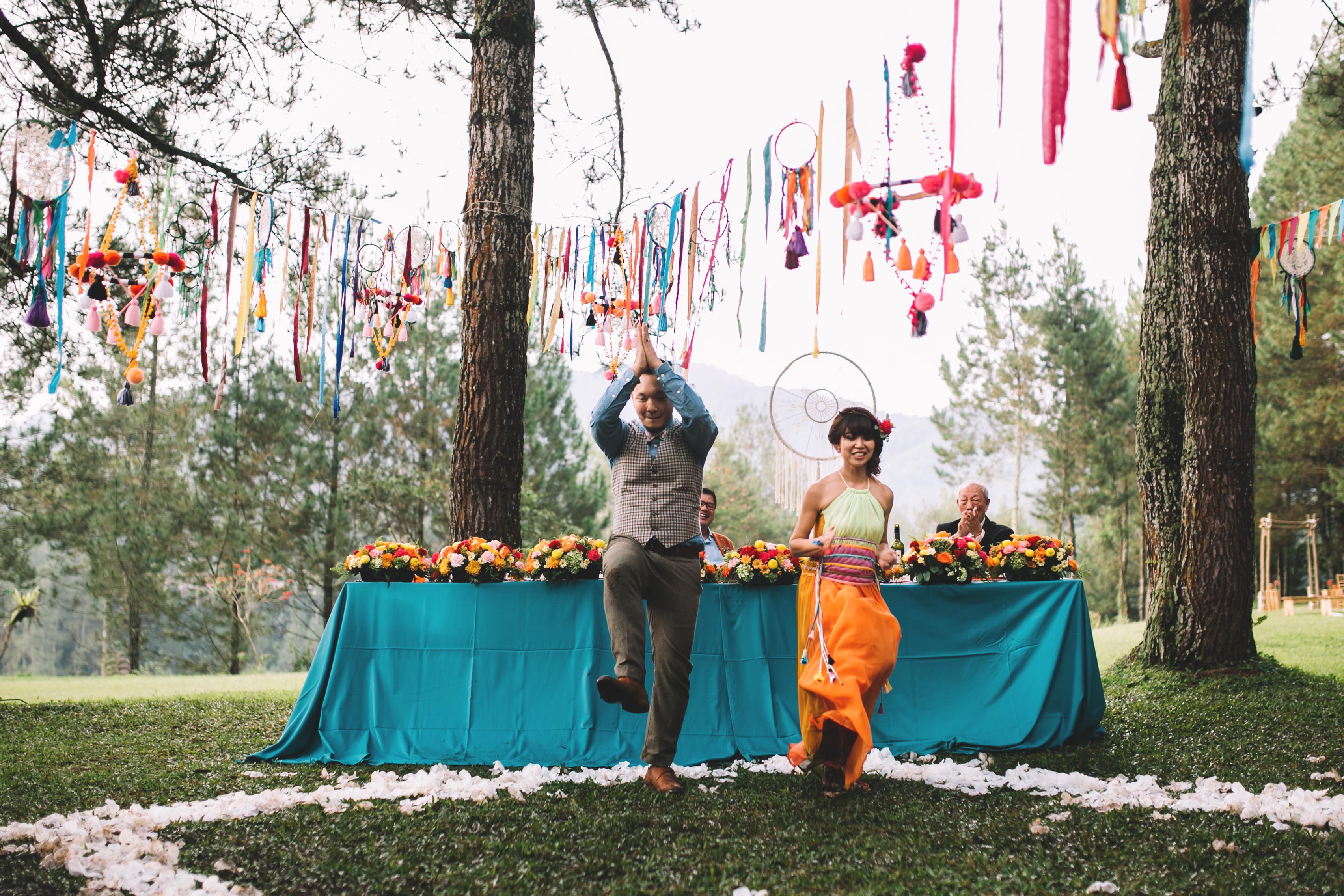 isabel-mengtat-boho-wedding-in-bandung-318