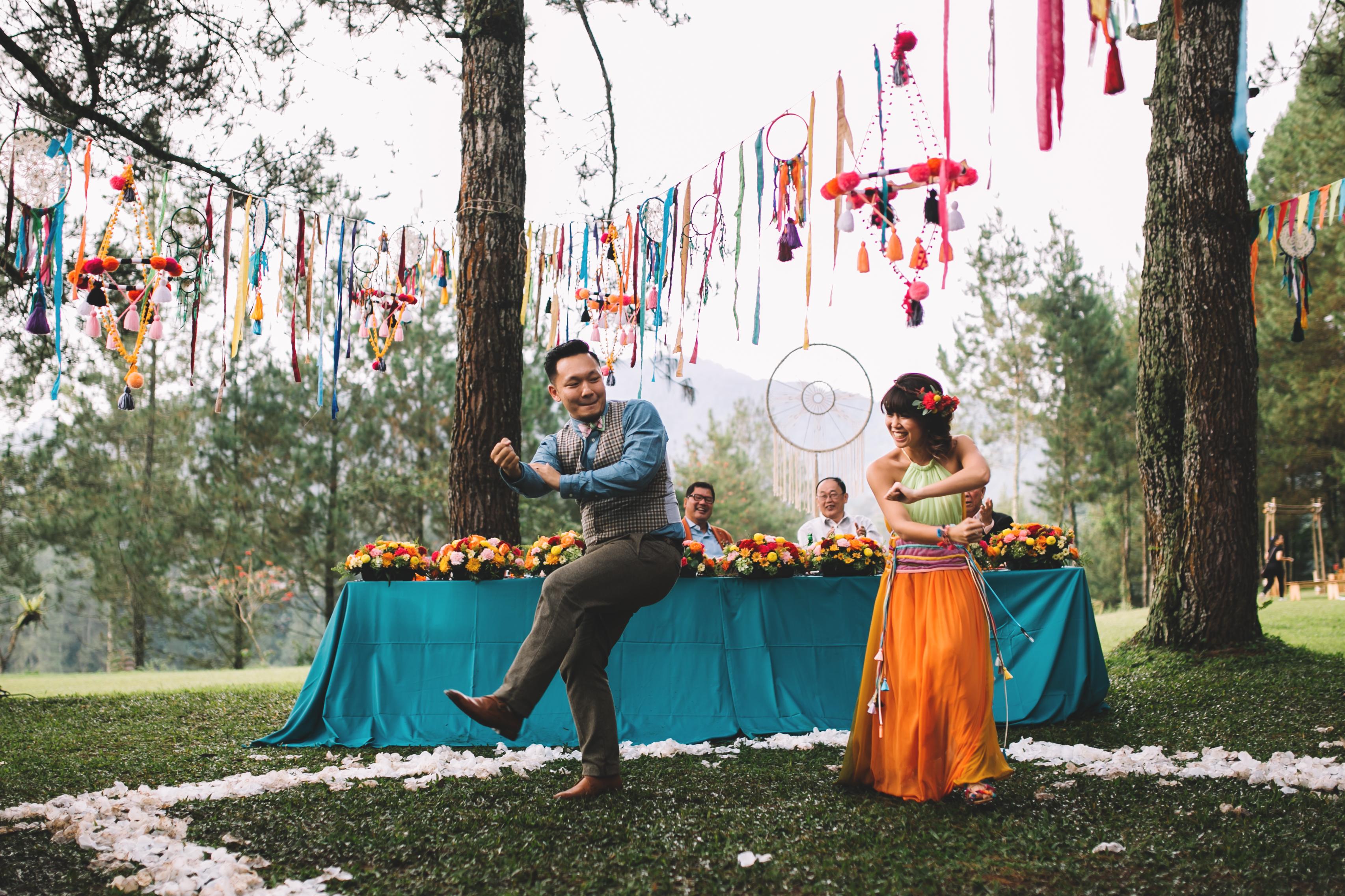 isabel-mengtat-boho-wedding-in-bandung-319
