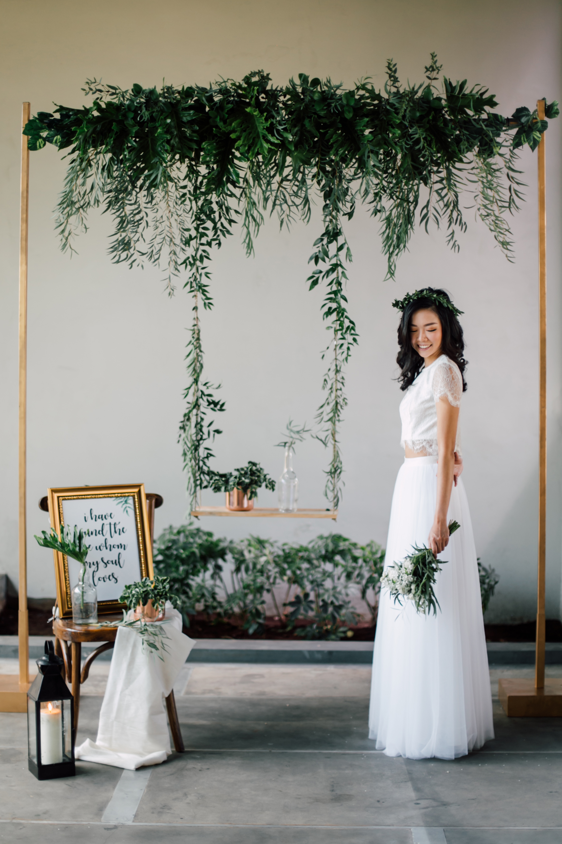 Minimalist Eco Green, White & Gold Theme (Styled Shoot) -
